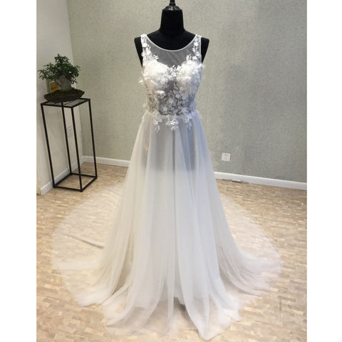 products/wedding_dress_47186ddd-197c-4fa8-803e-d173d2464781.jpg
