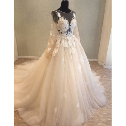 products/wedding_dress_601b2c6d-b95d-4872-9109-642859233e34.jpg