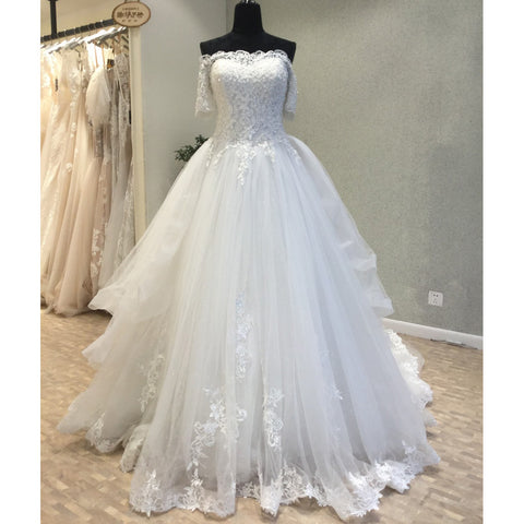 products/wedding_dress_60d645a6-14ab-43f5-b68c-516a571965f0.jpg