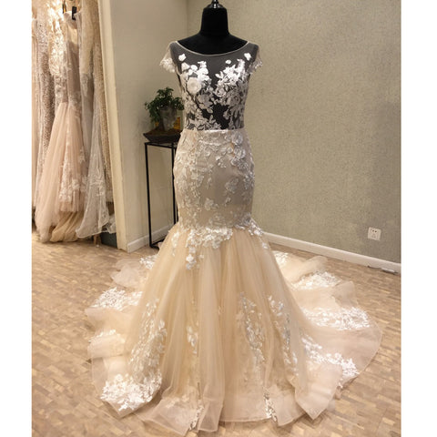 products/wedding_dress_6771533b-3f9b-4243-926f-3a230236467f.jpg