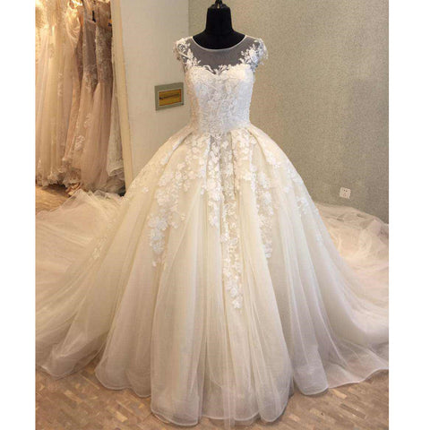 products/wedding_dress_7e5c62da-89fa-4e39-8b70-1efcc8444b13.jpg