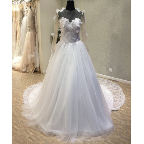 products/wedding_dress_842193e4-62a1-4996-98cd-6516b2eaafda.jpg