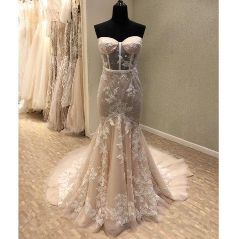 products/wedding_dress_89e566af-b8e7-4fb0-b06e-abeae6c69088.jpg