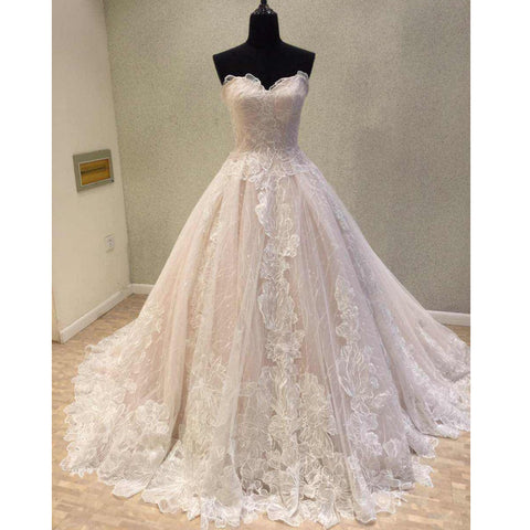 products/wedding_dress_8d95181a-0749-4fef-815f-8405783f968d.jpg