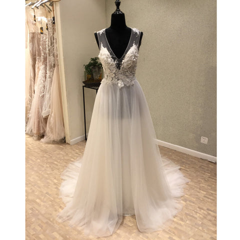 products/wedding_dress_afbdcd06-244c-44c9-820f-5267c374fbf6.jpg