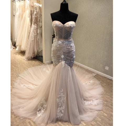 products/wedding_dress_bc6bbf34-663a-411e-b590-55b35540fb89.jpg