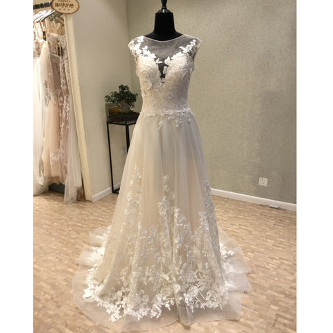 products/wedding_dress_deb59c25-6643-4131-b007-3b2b7f1ff120.jpg