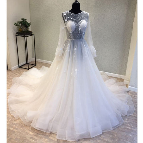 products/wedding_dress_e2b4c36c-ad36-4865-bc37-4149b9d656e3.jpg
