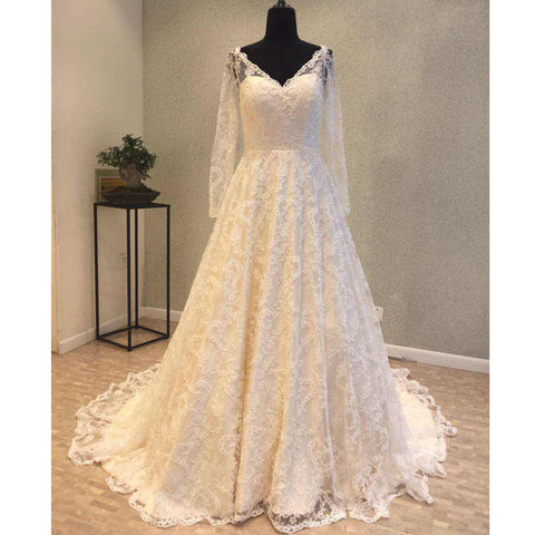products/wedding_dress_ea027922-c3b6-4a66-a2d3-8625c8032383.jpg