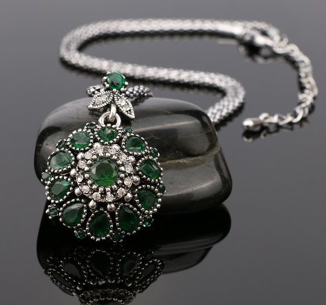 Bohemia Vintage Necklace Offer