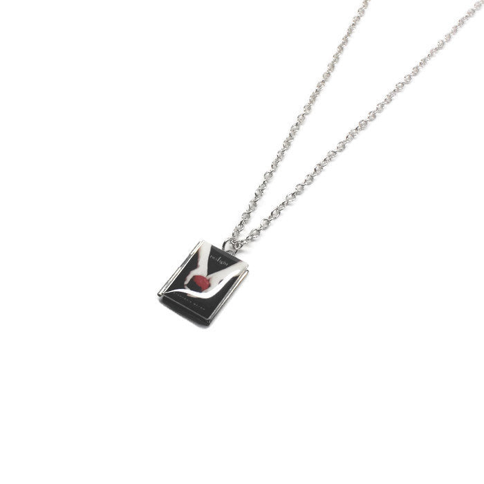 Twilight Saga Book Necklace - LitLifeCo.