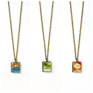 Divergent Trilogy Book Necklace - LitLifeCo.
