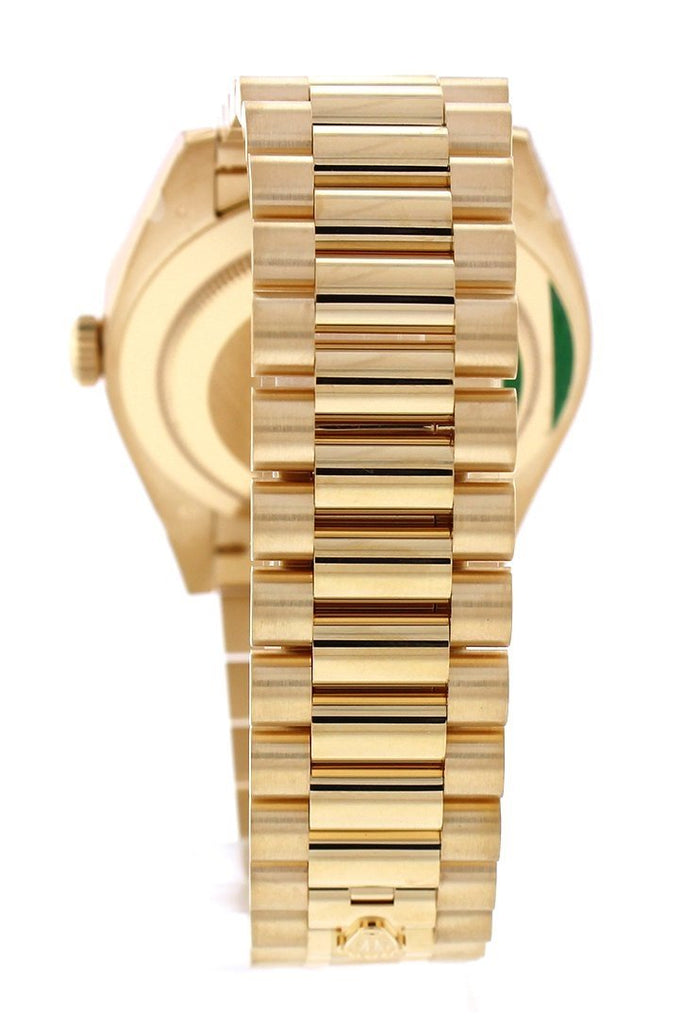 Rolex Day-Date 40 Silver Motif Dial Baguette Diamond Bezel 18K Yellow Gold President Automatic Mens