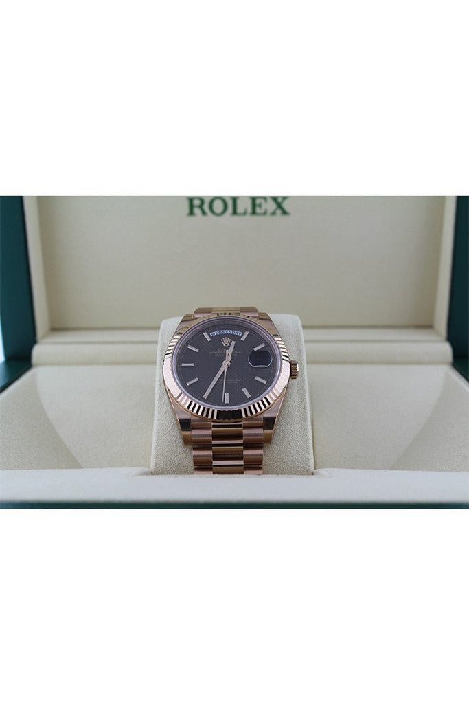 Rolex Day-Date 40 Chocolate Diagonal Motif Dial Fluted Bezel 18K Everose Gold President Automatic