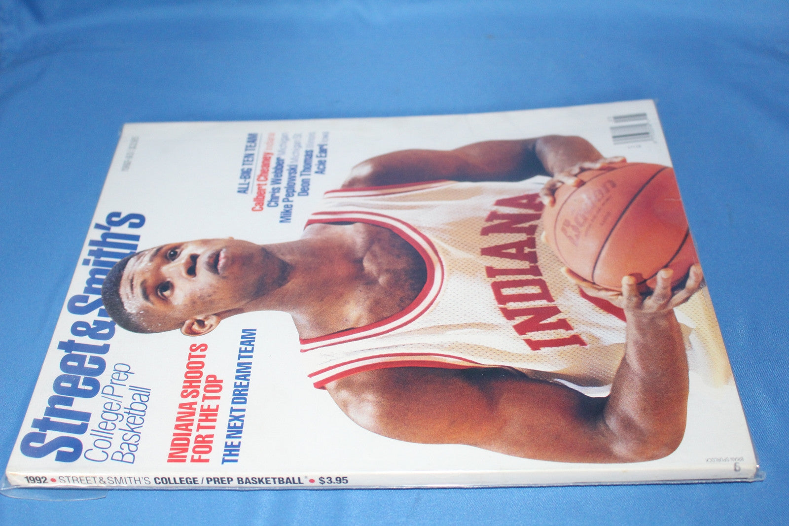 1992 Street & Smith Basketball Yearbook, Calbert Cheaney on cover - Vintage Indy Sports