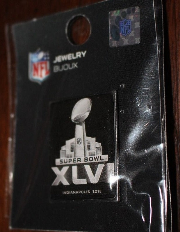 Super Bowl XLVI Pin, New, Patriots vs Giants, Indianapolis - Vintage Indy Sports