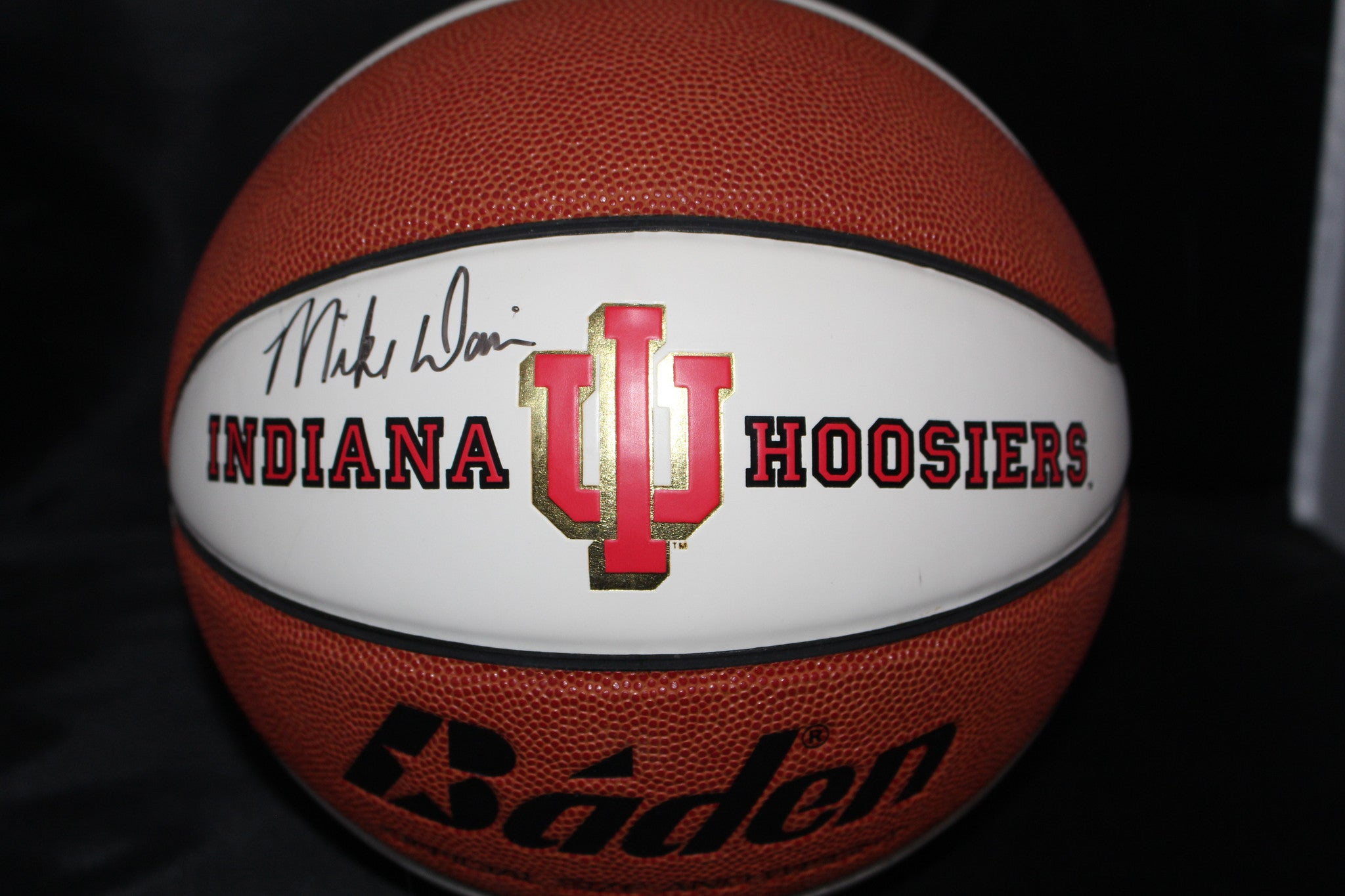 Mike Davis Autographed Indiana University Logo Basketball - Vintage Indy Sports