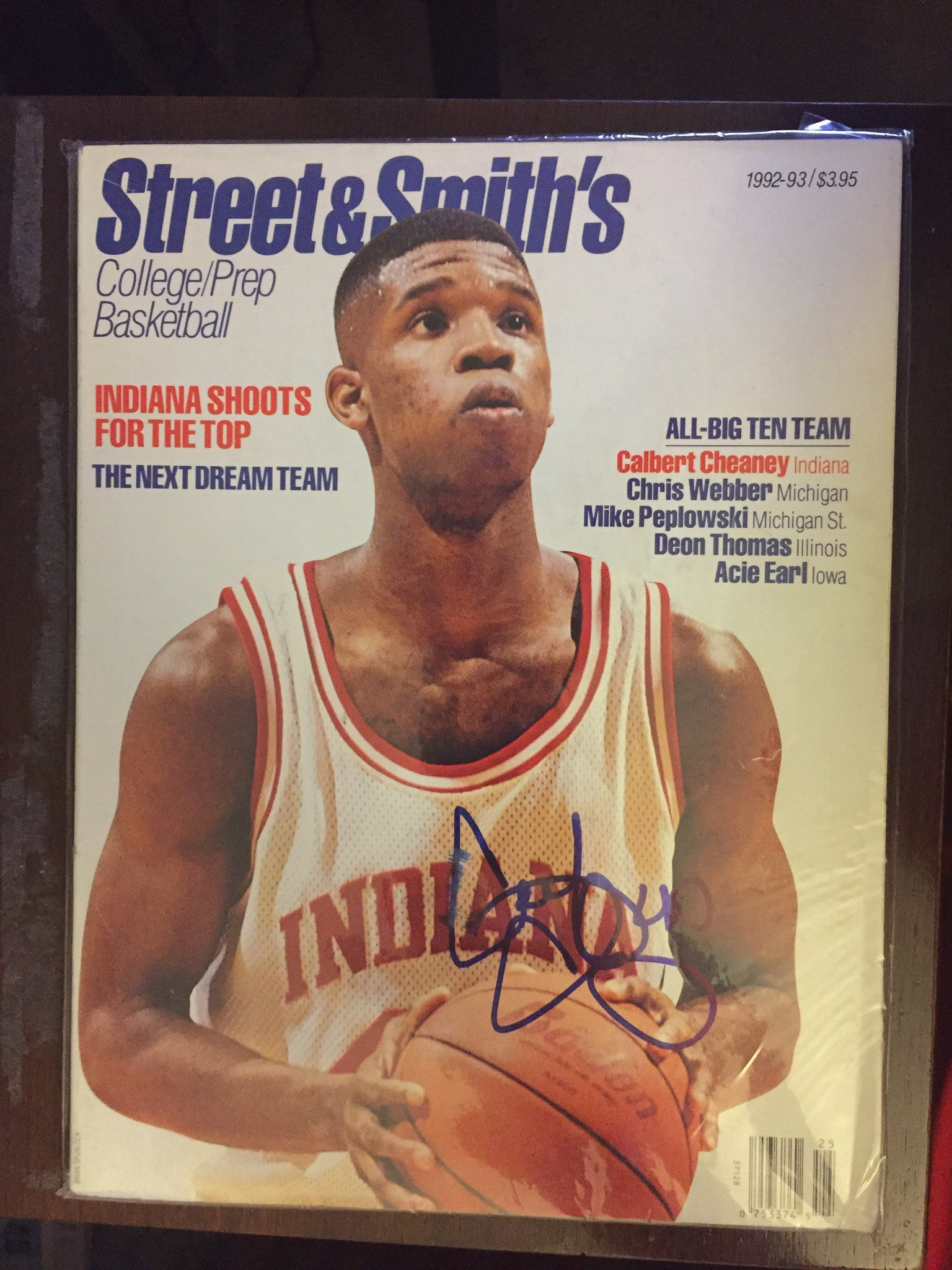 1992-93 Calbert Cheaney Autographed Street & Smith Basketball Preview, Indiana University - Vintage Indy Sports