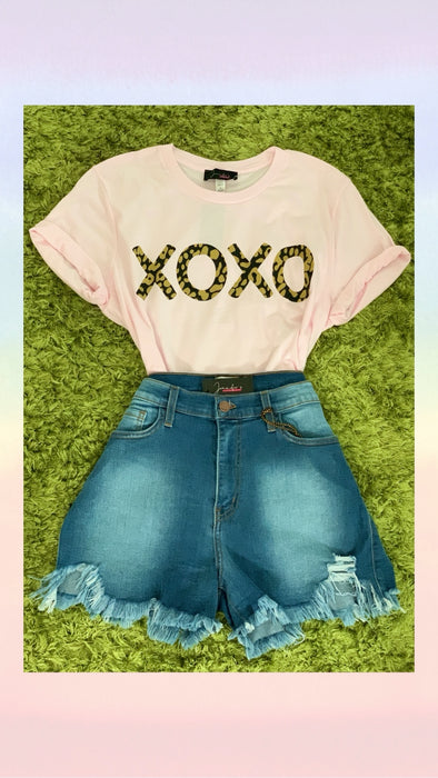 LEOPARD XOXO GRAPHIC TEE