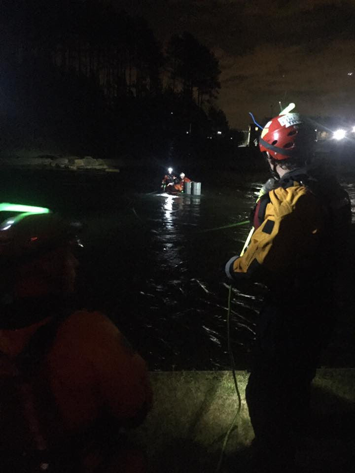 7 Key Tips to Minimizing Risk in a Night Swiftwater Rescue