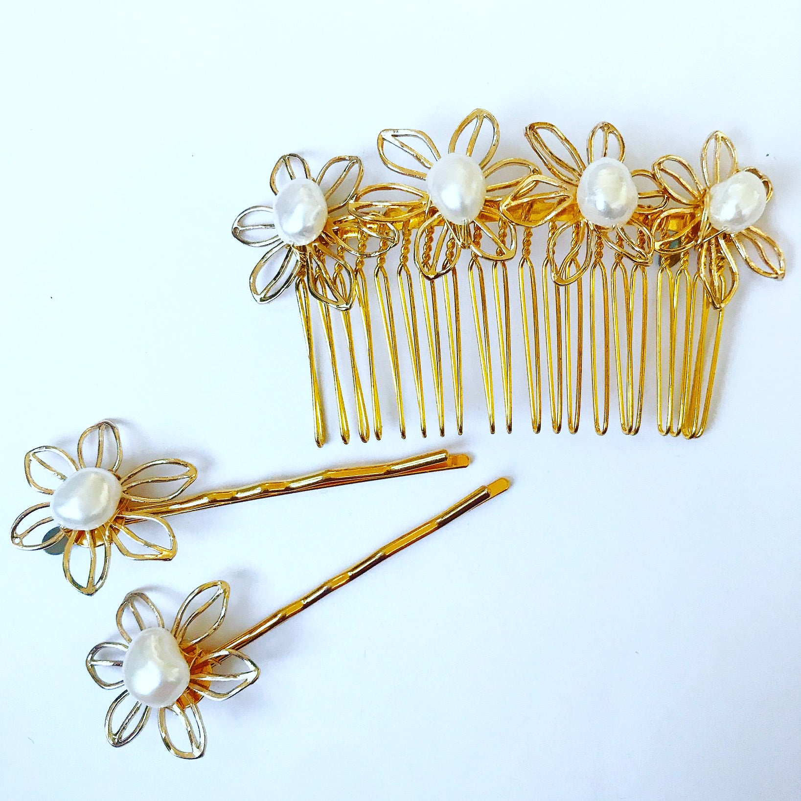 Pearl Flower Comb