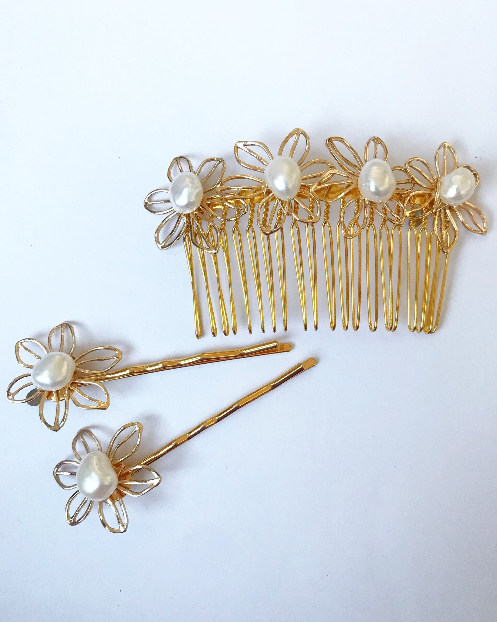 Pearl Flower Hair Pin