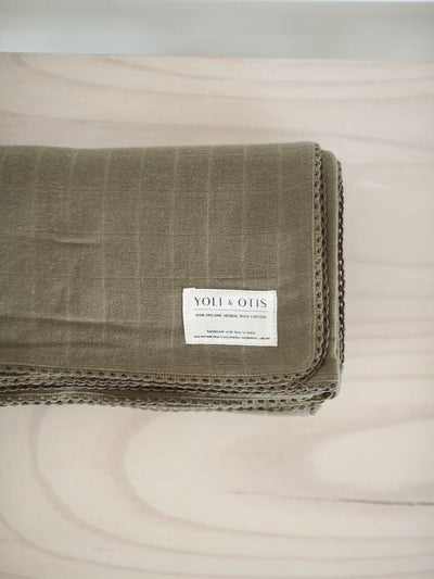 Yoli & Otis Artisan blanket Cutch Brown
