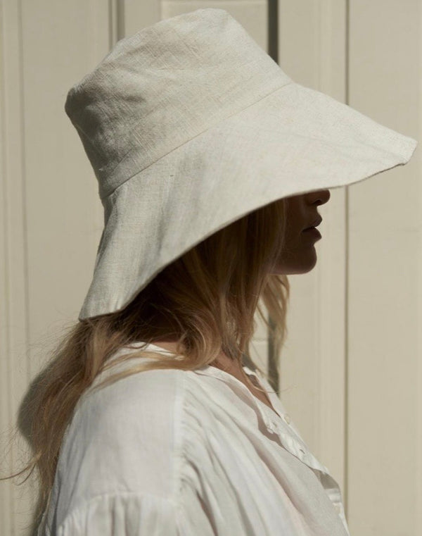 Atelier des femmes Off white mommy bucket hat Fleuri