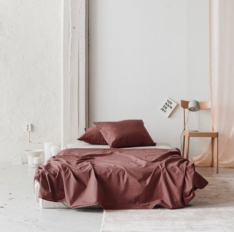 Pre order (arrives first week of May) Midnatt Duvet Cover Rubra 220x240