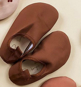 Konges Slojd UV swim shoes Caramel
