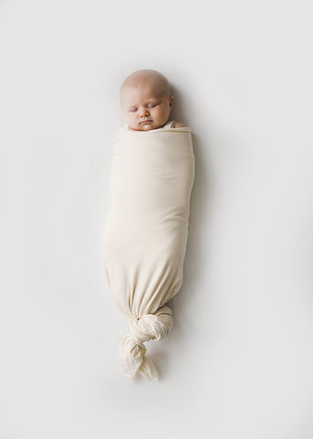 Pre Order - Snuggle Me Organic Swaddle Natural  (shipping expected in 2 weeks)