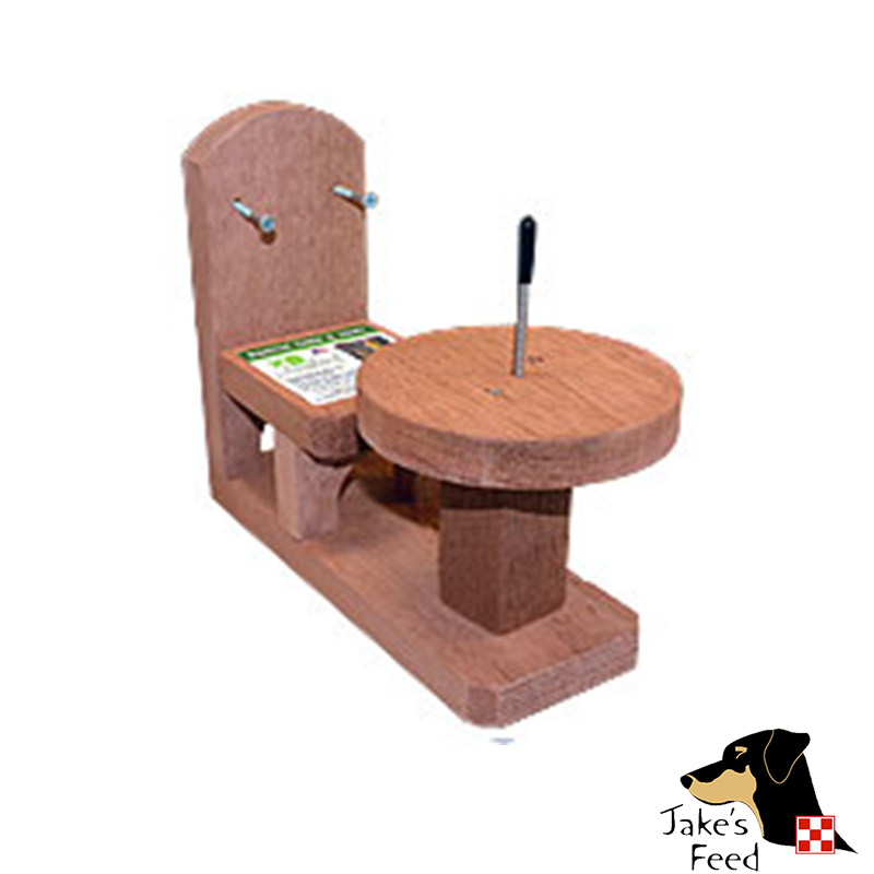 SQUIRREL FEEDER TABLE AND CHAIR