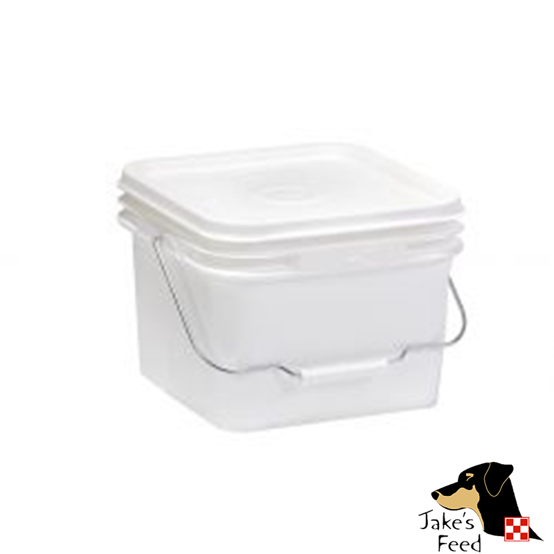 Beehive Bucket Feeder 2 Gallon