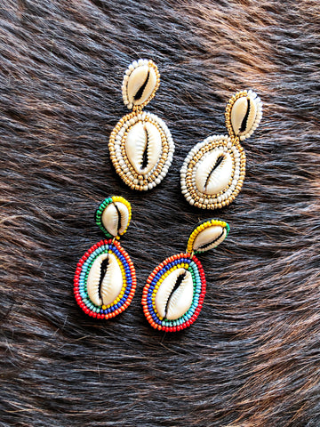 Poocha Shell Rainbow & Gold& White Earrings