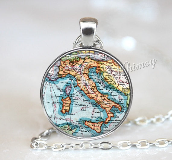 ITALY MAP Necklace, Italy Map Pendant, Italy Keychain, Italy Necklace, Vintage Italy Map, Rome, Italy Map, Italy Map Jewelry, Italy, Map