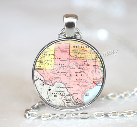TEXAS MAP Necklace, Texas Pendant, Texas Map Pendant, Texas Keychain, Texas Necklace, Vintage Texas Map, Texas Jewelry, Texas State Map