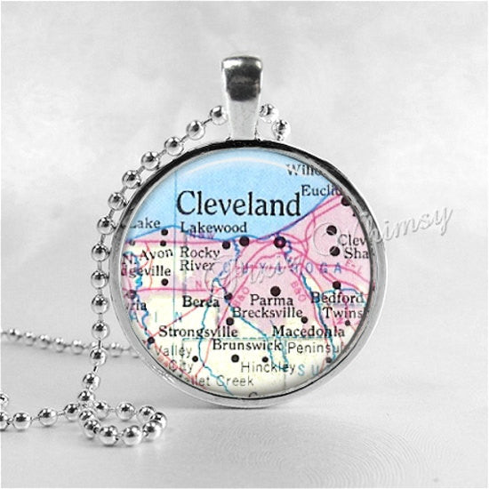 CLEVELAND OHIO MAP Necklace, Ohio Pendant, Ohio Jewelry, Ohio Necklace, Glass Tile Art Pendant Necklace, Ohio Souvenir, Vintage Ohio Map