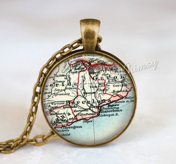 SPAIN MAP Necklace, Spain Map Pendant, Spain Keychain, Spain Necklace, Vintage Spain Map, Spain Map, Spain Map Jewelry, Barcelona Spain Map