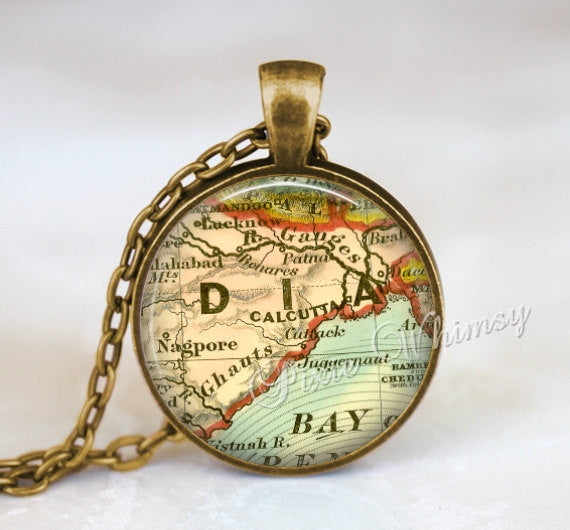 INDIA MAP Necklace Pendant, India Keychain, India Map Necklace, Vintage India Map India Map Jewelry, Calcutta India Map Necklace