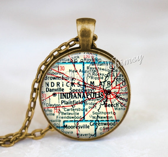 INDIANA MAP Necklace Pendant, Indiana Keychain, Indianapolis Indiana Necklace, Indiana Jewelry, Vintage Indiana Map, Indiana Souvenir