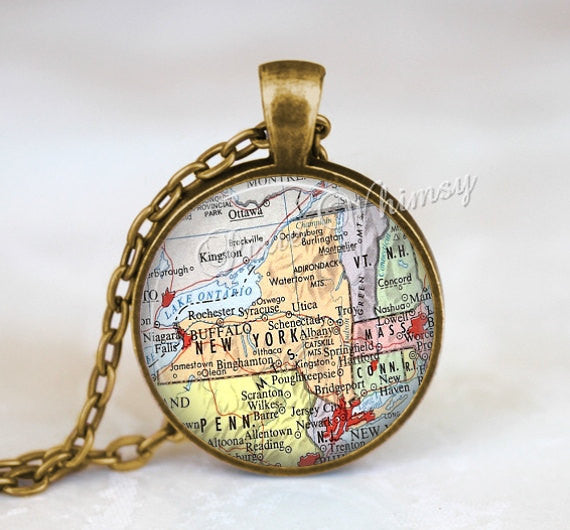 NEW YORK MAP Necklace, New York Map Pendant, New York Keychain, New York Necklace, New York Jewelry, Vintage New York Map, New York Souvenir