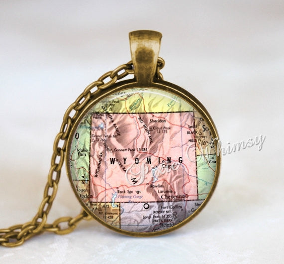 WYOMING MAP Necklace Pendant, Vintage Wyoming Map, Wyoming Keychain, Wyoming Necklace, Wyoming Jewelry, Vintage Wyoming Map, Cheyenne