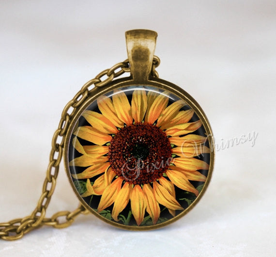SUNFLOWER Necklace Pendant Jewelry, Sunflower Keychain, Sun Flower Necklace, Vintage Sunflower Art, Gift for Gardener Florist Yellow Flower