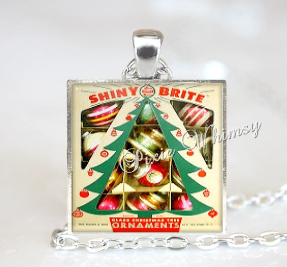VINTAGE SHINY BRITE CHRISTMAS ORNAMENTS Pendant Necklace, Christmas Ornaments, Vintage Christmas Nostalgia, Christmas Ornaments, Retro Christmas Jewelry