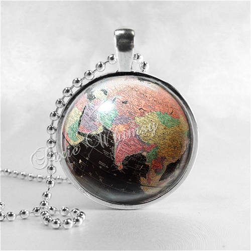 GLOBE Necklace, Globe Pendant, Vintage Globe, Vintage World Map, Planet, Earth, Wanderlust, Globe Jewelry, Gift for Traveler