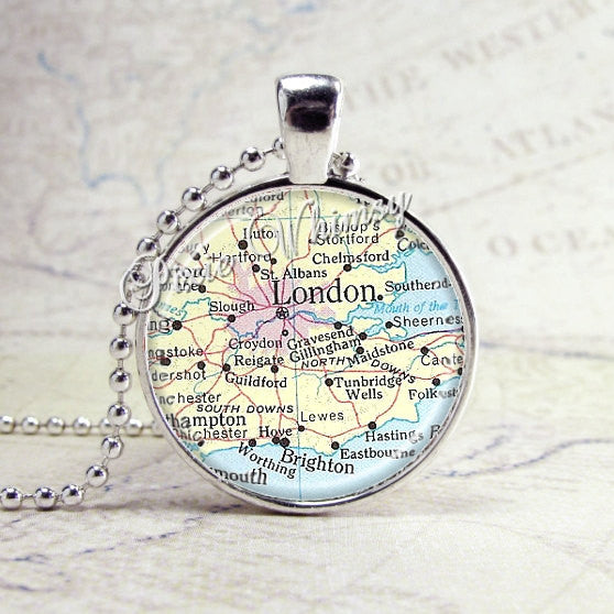 LONDON ENGLAND Vintage Map Jewelry Glass Bezel Pendant with Free 24 Inch Necklace Chain