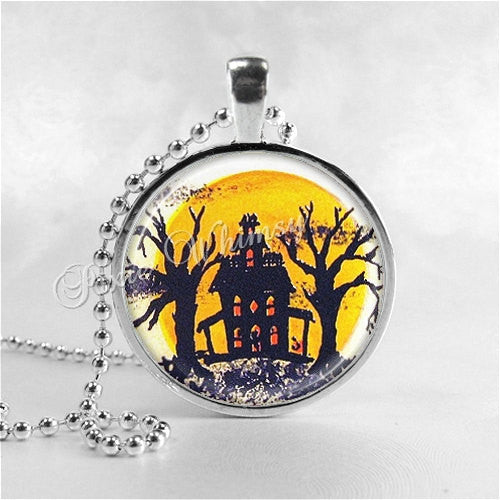 VINTAGE HALLOWEEN Necklace, Haunted House, Ghosts, Full Moon, Spooky Trees, Glass Art Necklace, Halloween Necklace, Halloween Jewelry
