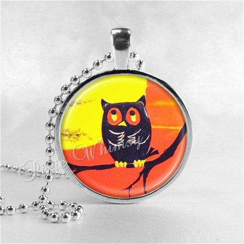 VINTAGE HALLOWEEN Necklace, Owl Necklace, VIntage Owl Necklace, Full Moon, Owl In Spooky Tree, Glass Photo Art Necklace, Halloween Jewelry