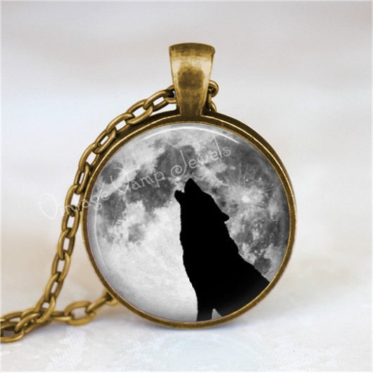 HOWLING WOLF Necklace, Full Moon Necklace, Wolf Necklace, Wolf Pendant, Wolf Jewelry, Moon Necklace, Glass Photo Art Pendant Necklace