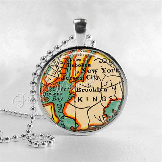 NEW YORK Vintage Map Necklace, New York Pendant, Glass Photo Art Pendant, Brooklyn, Queens, New York Jewelry